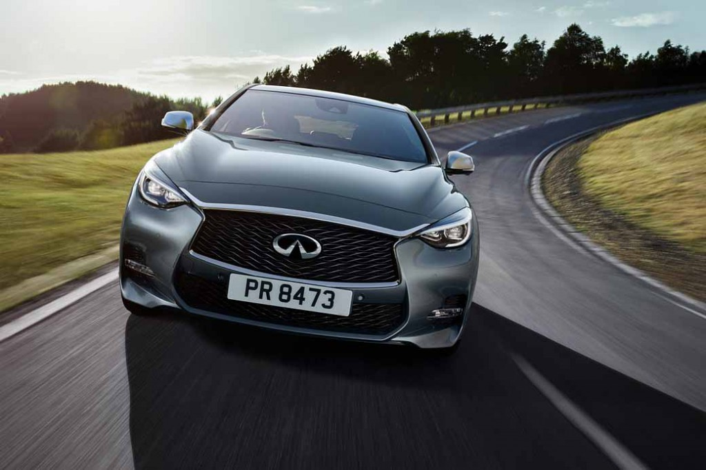 infiniti-active-compact-q30-published-in-iaa201520150916-10