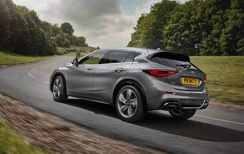 infiniti-active-compact-q30-published-in-iaa201520150916-7