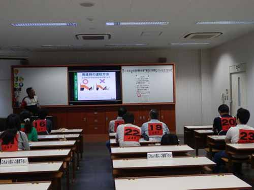 jaf-gifu-in-the-eco-driving-training-participant-recruitment-friendly-to-the-earth-and-your-wallet-with-improved-fuel-efficiency20150924-2