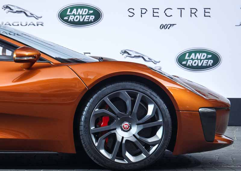 jaguar-land-rover-the-world-premiere-of-the-007-latest-series-provides-vehicle20150920-6