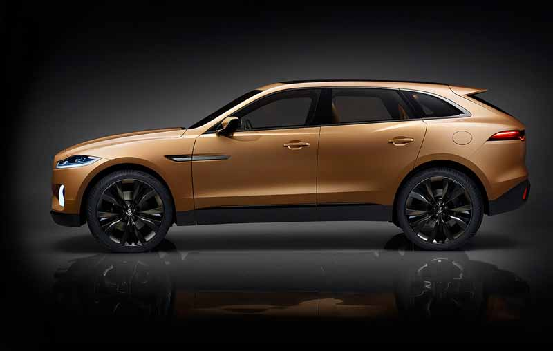 jaguars-first-sports-crossover-f-pace-is-the-worlds-first-public-event-914-20150910-13