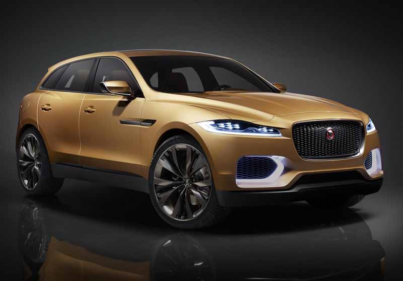 jaguars-first-sports-crossover-f-pace-is-the-worlds-first-public-event-914-20150910-21