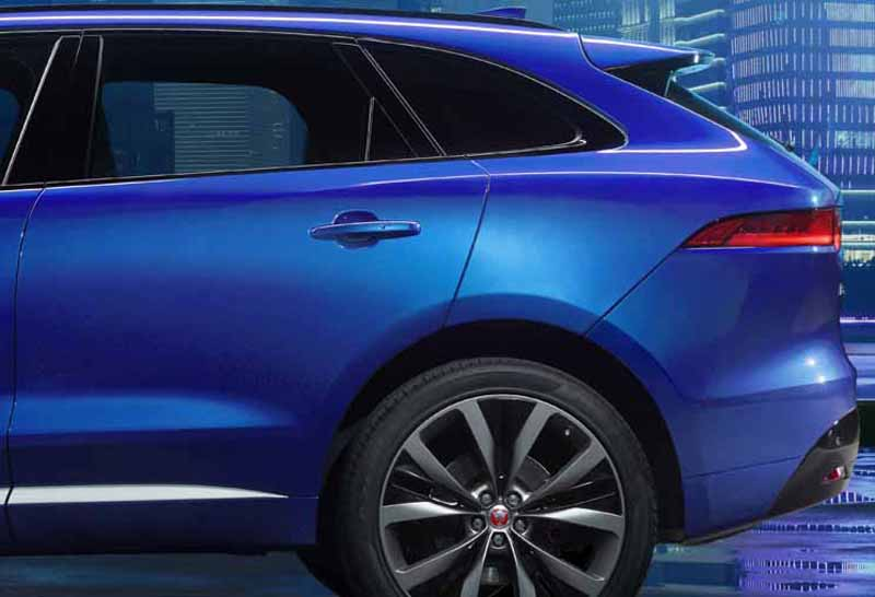 jaguars-first-sports-crossover-f-pace-is-the-worlds-first-public-event-914-20150910-3