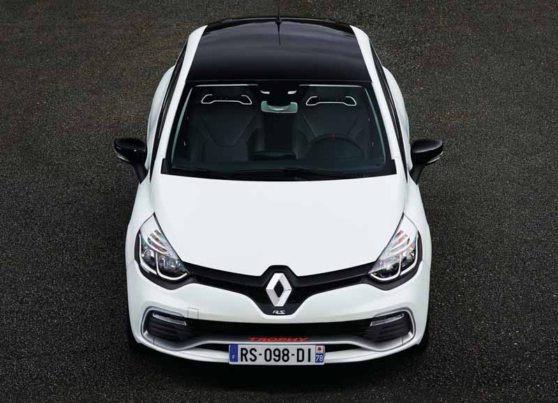 lutecia-rs-trophy-pre-order-the-start-of-the-special-paint-color-blanc-jivuru-nacres-mat20150922-4
