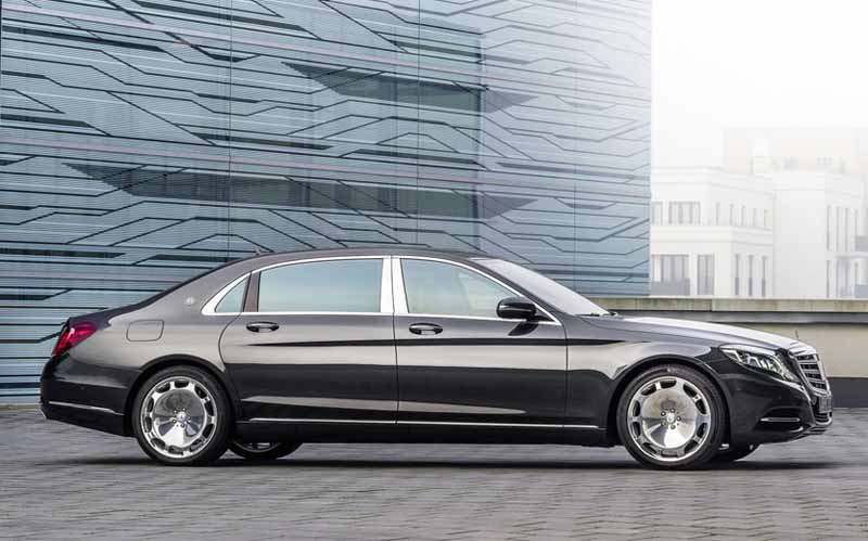 mercedes-maybach-s-550-right-hand-and-the-s-550-4matic-launched20150911-4
