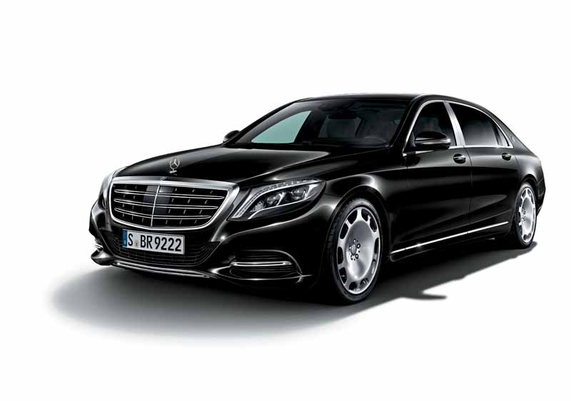 mercedes-maybach-s-550-right-hand-and-the-s-550-4matic-launched20150911-5