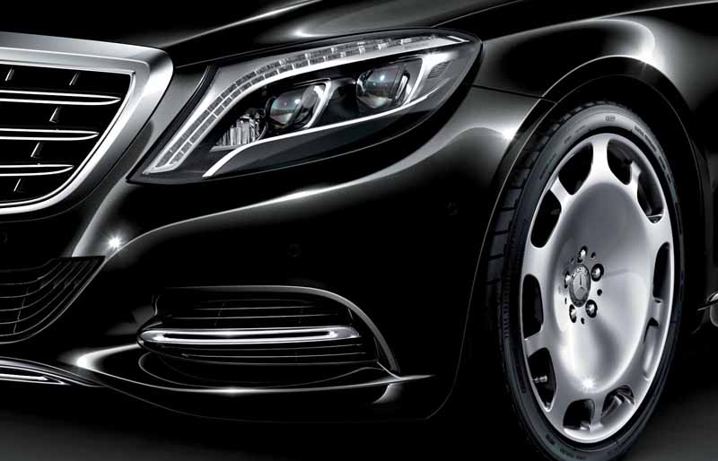 mercedes-maybach-s-550-right-hand-and-the-s-550-4matic-launched20150911-6