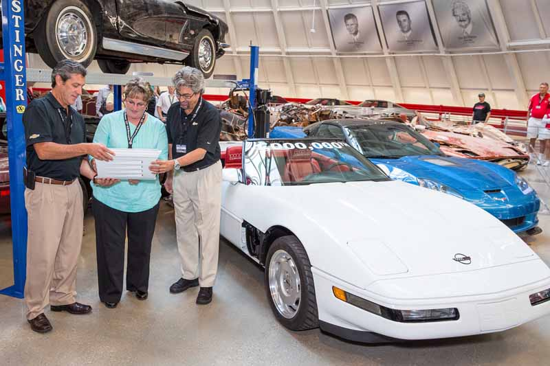 one-million-full-repair-is-finally-the-end-of-the-chevrolet-corvette-memorable-produced-in-pcs-eyes20150910-10