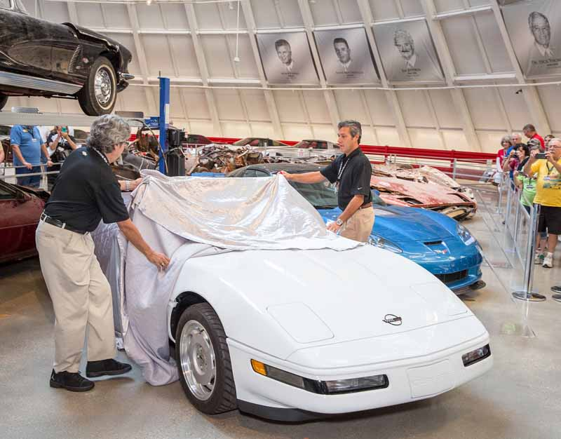 one-million-full-repair-is-finally-the-end-of-the-chevrolet-corvette-memorable-produced-in-pcs-eyes20150910-9