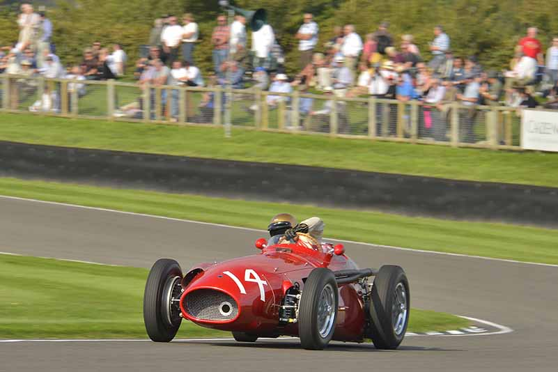 porsche-classic-and-reproduce-the-porsche-in-the-1960s-at-the-goodwood-revival20150912-2