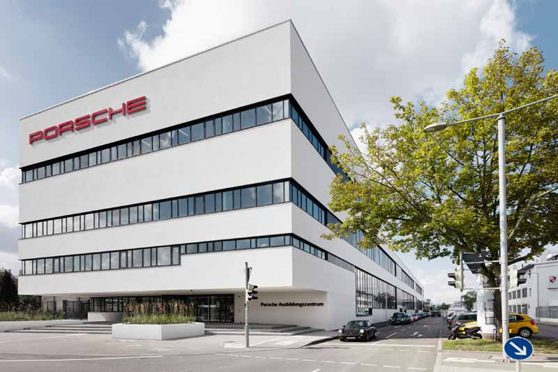 porsche-open-a-new-training-center20150914-3