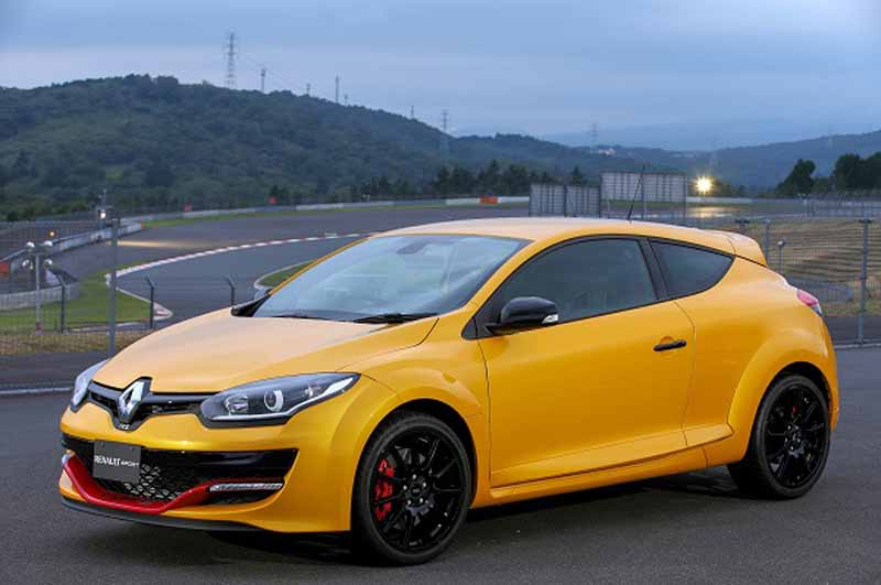 renault-japon-megane-renault-sport-cup-s-and-60-cars-limited-release-the20150924-1