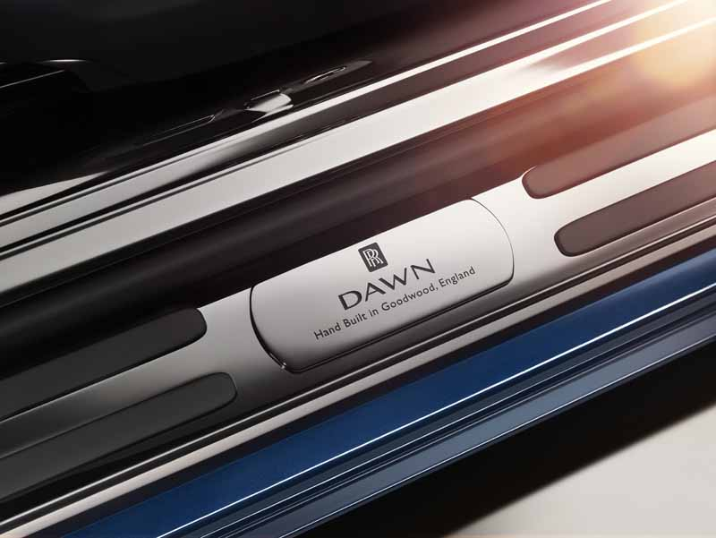 rolls-royce-dawn-4-seater-drop-head-luxury-with-uncompromising20150909-1