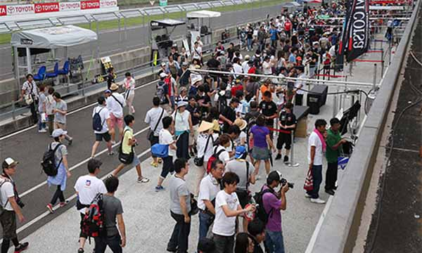 super-gt-also-de-skills-the-official-test-held-9-25-26-20150922-2