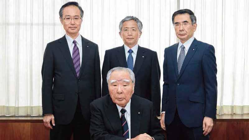 suzuki-issued-annual-report-2015-0912-9