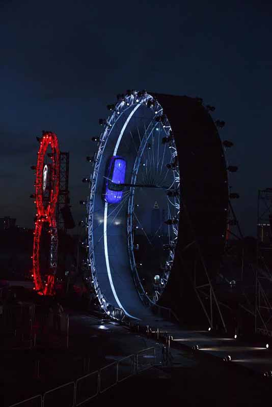 the-new-jaguar-f-pace-set-a-world-record-of-somersault-traveling20150915-4