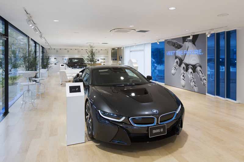 the-worlds-first-bmw-i-brand-showroom-bmw-i-megacity-studio-japan-opened20150901-1