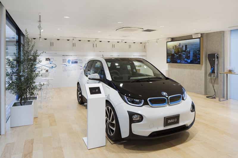 the-worlds-first-bmw-i-brand-showroom-bmw-i-megacity-studio-japan-opened20150901-4
