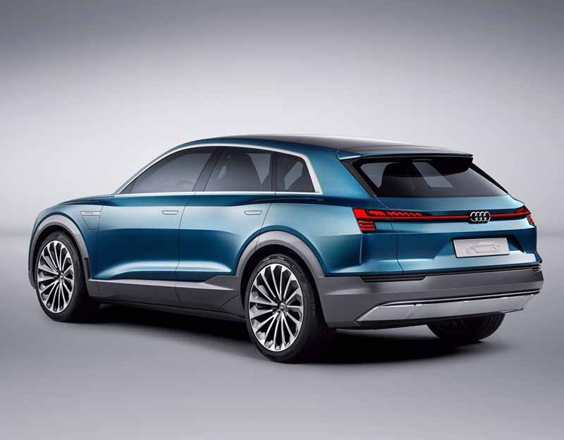 to-audi-audi-e-tron-quattro-concept-announcement-cruising-500km-than-maximum-speed-210km20150915-3