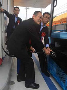 toyota-industries-corporation-participated-in-the-demonstration-of-fuel-cell-forklift-in-tainan-city-zhou-yamaguchi-prefecture20150922-2