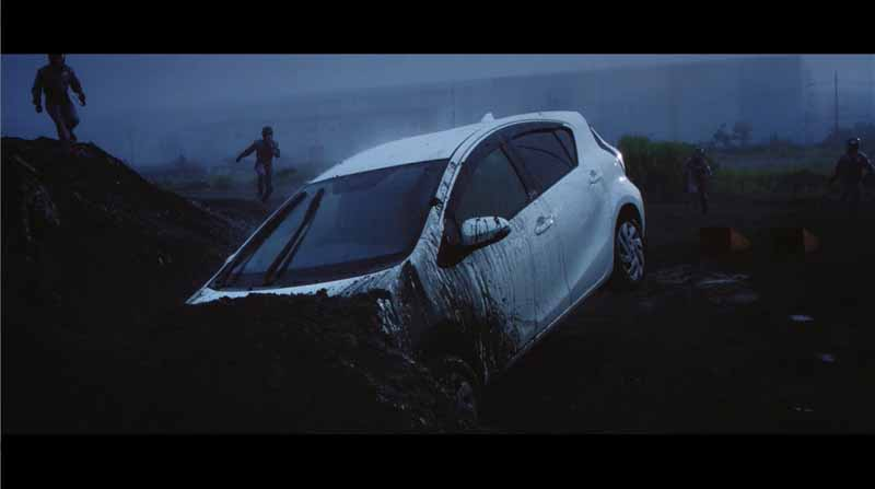 toyota-strange-movie-that-car-ends-up-in-love-with-people-gs-boot-camp-public20150901-7