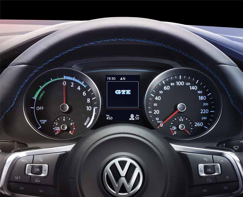 volkswagens-first-plug-in-hybrid-golf-gte-appearance20150908-11