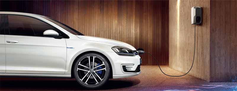 volkswagens-first-plug-in-hybrid-golf-gte-appearance20150908-13