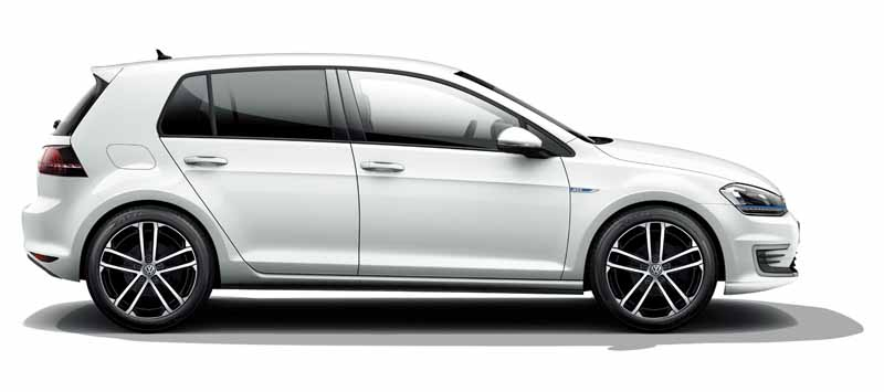 volkswagens-first-plug-in-hybrid-golf-gte-appearance20150908-20