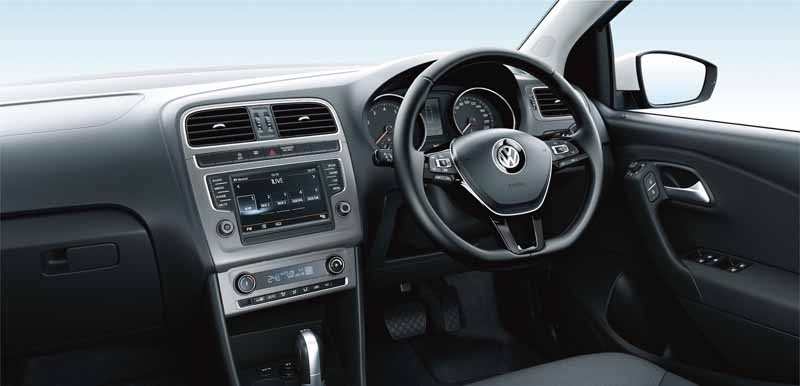 vw-and-300-units-limited-release-the-polo-bluemotion-fuel-economy-23-4km-l20150929-6