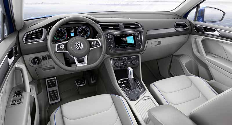 vw-the-new-tiguan-the-world-premiere20150916-12