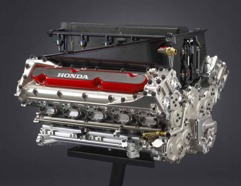 welcome-plaza-aoyama-honda-f1-engine-exhibition-in-pursuit-of-the-strongest-power-being-held20150903-1