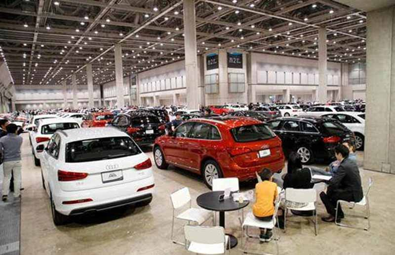 and-held-the-audi-certified-pre-owned-vehicles-festa-2015-in-intex-osaka20151022-1
