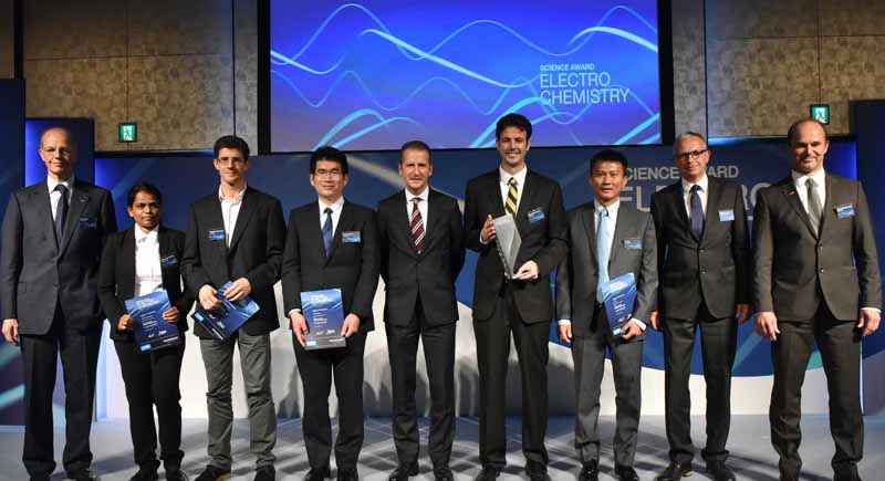 basf-and-vw-will-be-held-the-award-ceremony-of-the-4th-science-award-electro-chemistry20151029-6
