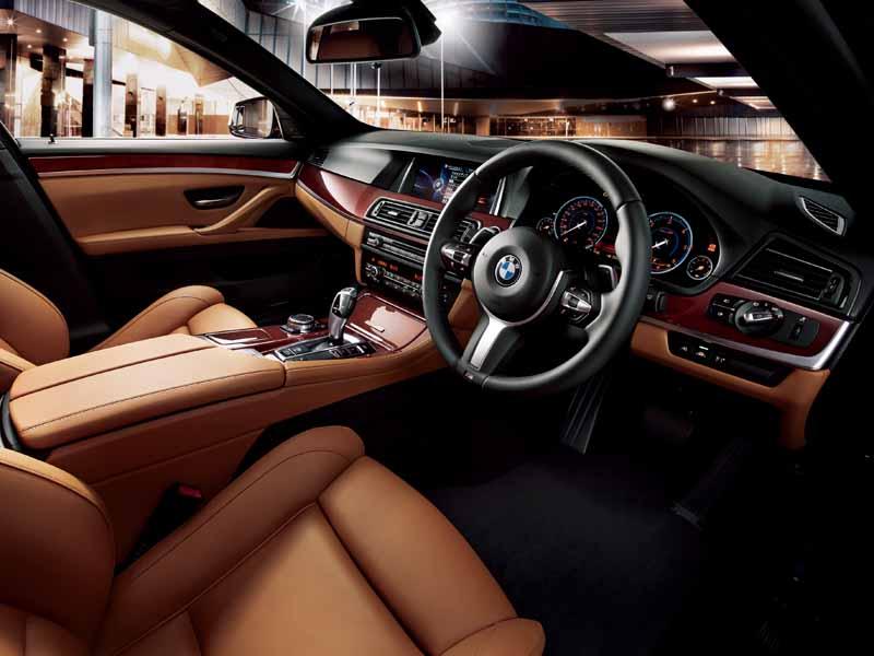 bmw-99-cars-limited-car-of-black-sapphire-maestro-sale20151019-12