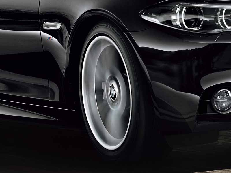 bmw-99-cars-limited-car-of-black-sapphire-maestro-sale20151019-15
