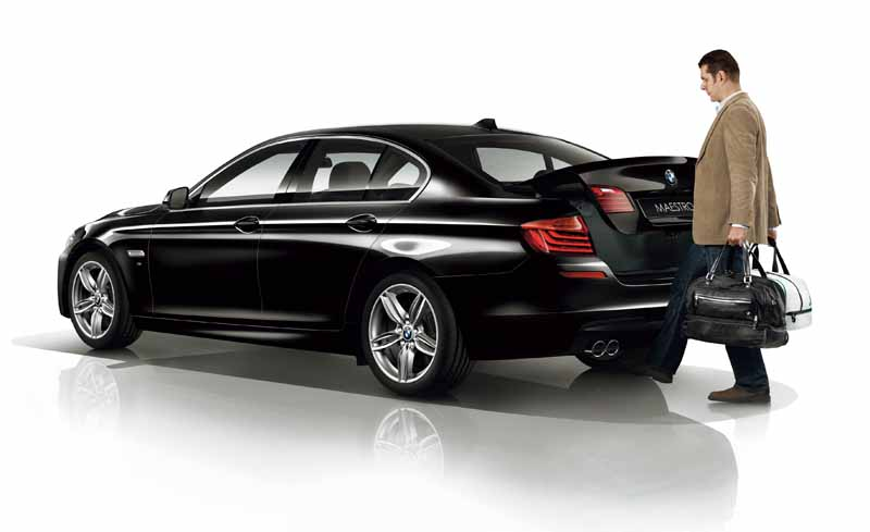 bmw-99-cars-limited-car-of-black-sapphire-maestro-sale20151019-18