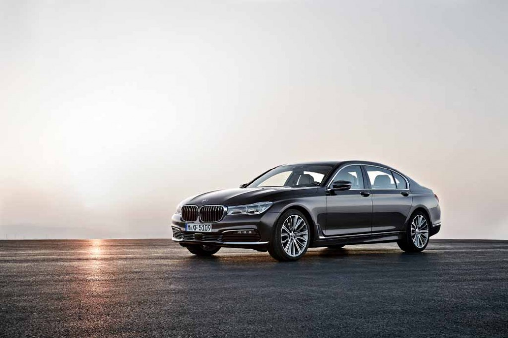 bmw-the-new-7-series-announcement-1029-sales-start20151007-2