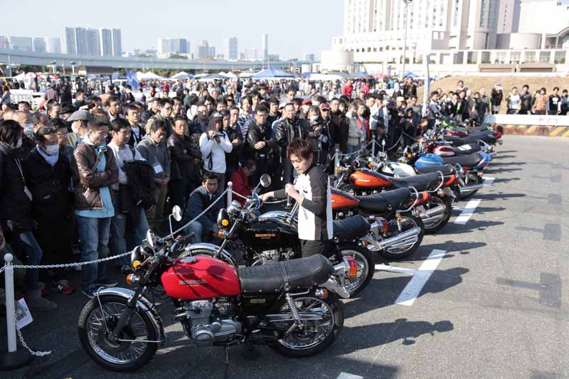 celebration-of-the-old-car-held-odaiba-old-car-heaven-november-2220151001-3