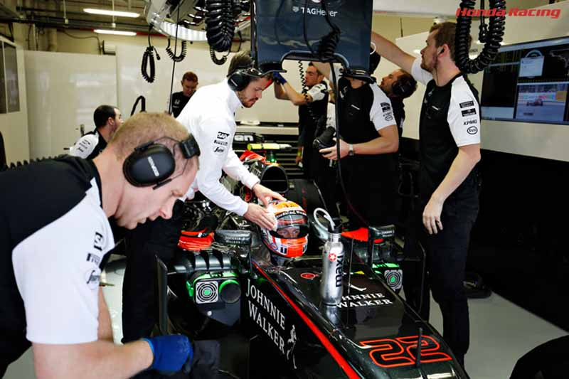 f1-mexico-gp-honda-camp-8-9-fastest-in-free-practice-2-point20151031-4