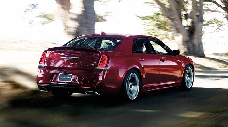 fca-japan-chrysler-300c-the-specification-change-1017-launch20151013-45