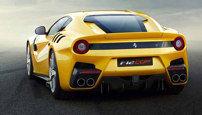 ferrari-f12-tdf-official-debut-in-the-finale-mondiari-of-mugello20151014-2