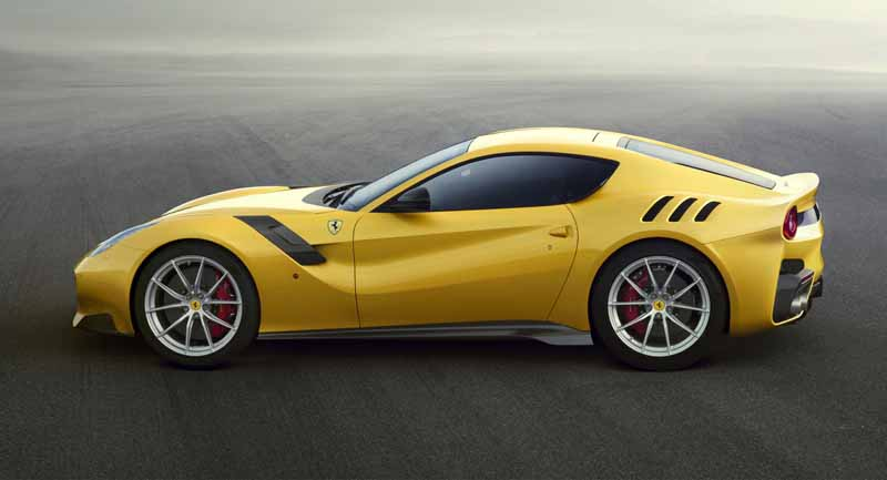 ferrari-f12-tdf-official-debut-in-the-finale-mondiari-of-mugello20151014-7