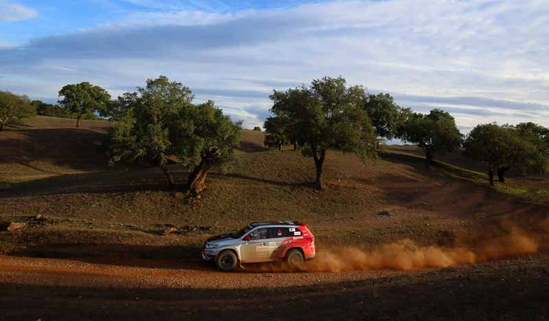 finally-opening-of-the-mitsubishi-motors-team-participated-baja-portalegre-500-is20151022-2