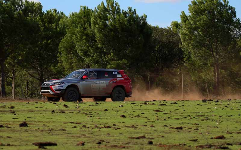 finally-opening-of-the-mitsubishi-motors-team-participated-baja-portalegre-500-is20151022-3