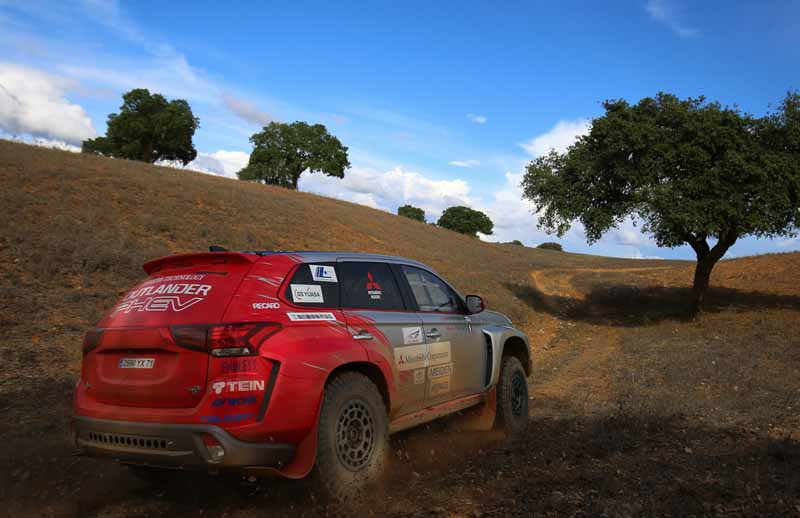 finally-opening-of-the-mitsubishi-motors-team-participated-baja-portalegre-500-is20151022-4