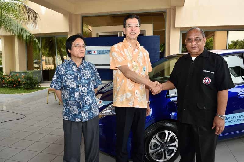 honda-start-the-demonstration-experiment-of-ev-charging-related-technology-in-the-republic-of-the-marshall-islands20151019-3