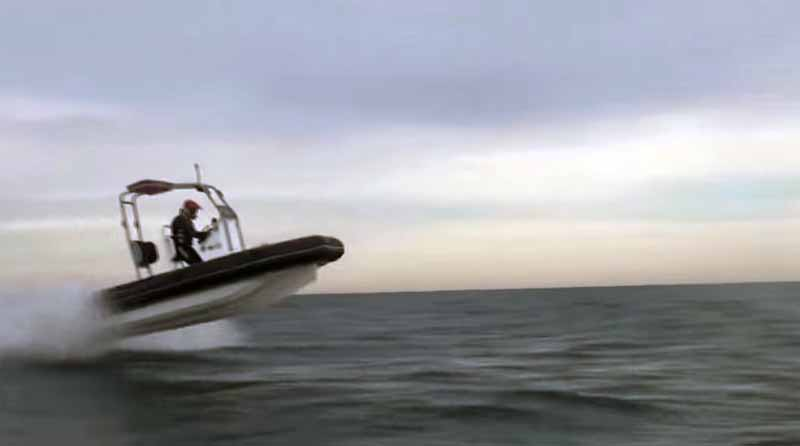 is-think-of-to-salvage-a-lot-of-people-were-in-the-form-jet-rescue-boat-yamaha-motor20151004-1