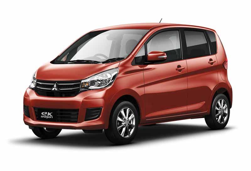 mitsubishi-motors-and-greatly-improved-the-mini-car-ek-custom-and-ek-wagon20151022-2
