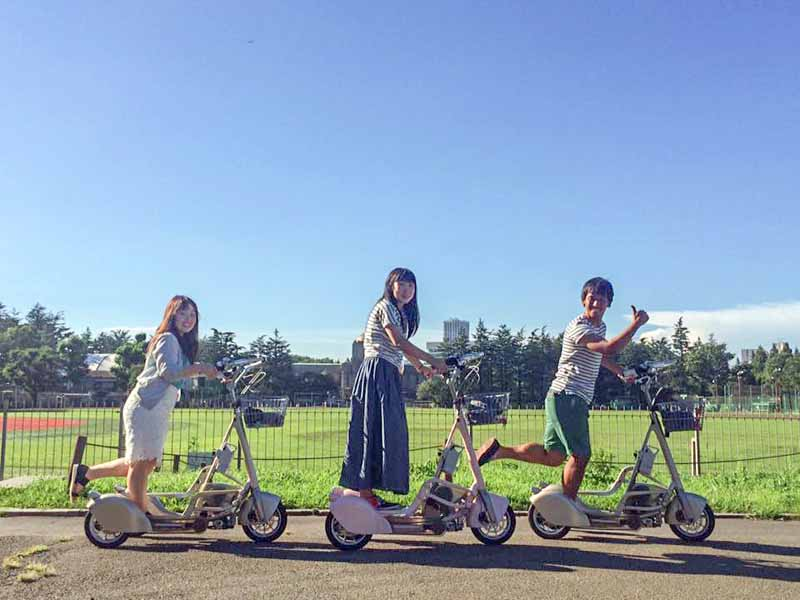 motor-assisted-tricycle-walking-bicycle-experience-test-drive-being-held-in-omotesando20151022-1
