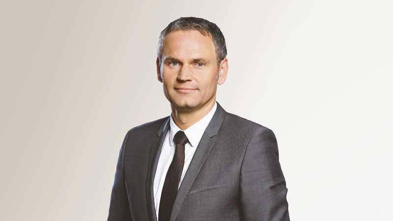mr-oliver-blume-to-chairman-of-the-board-of-porsche-ag20151001-1